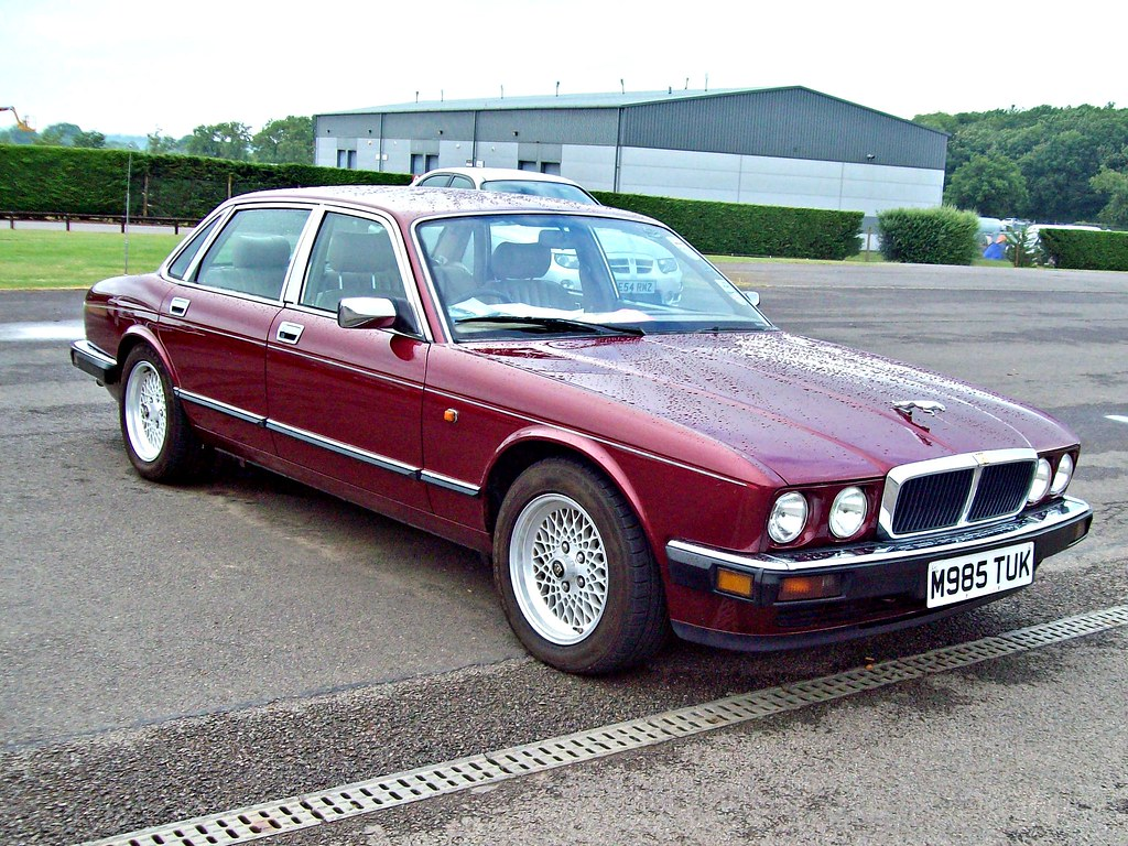 427 jaguar xj12 x305 1995 by robertknight16
