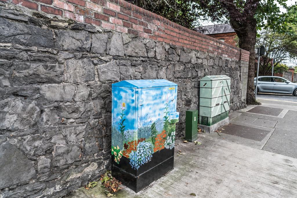 STREET ART - PAINT A UTILITY CABINET IN DUBLIN [PHIBSBORO]-121605