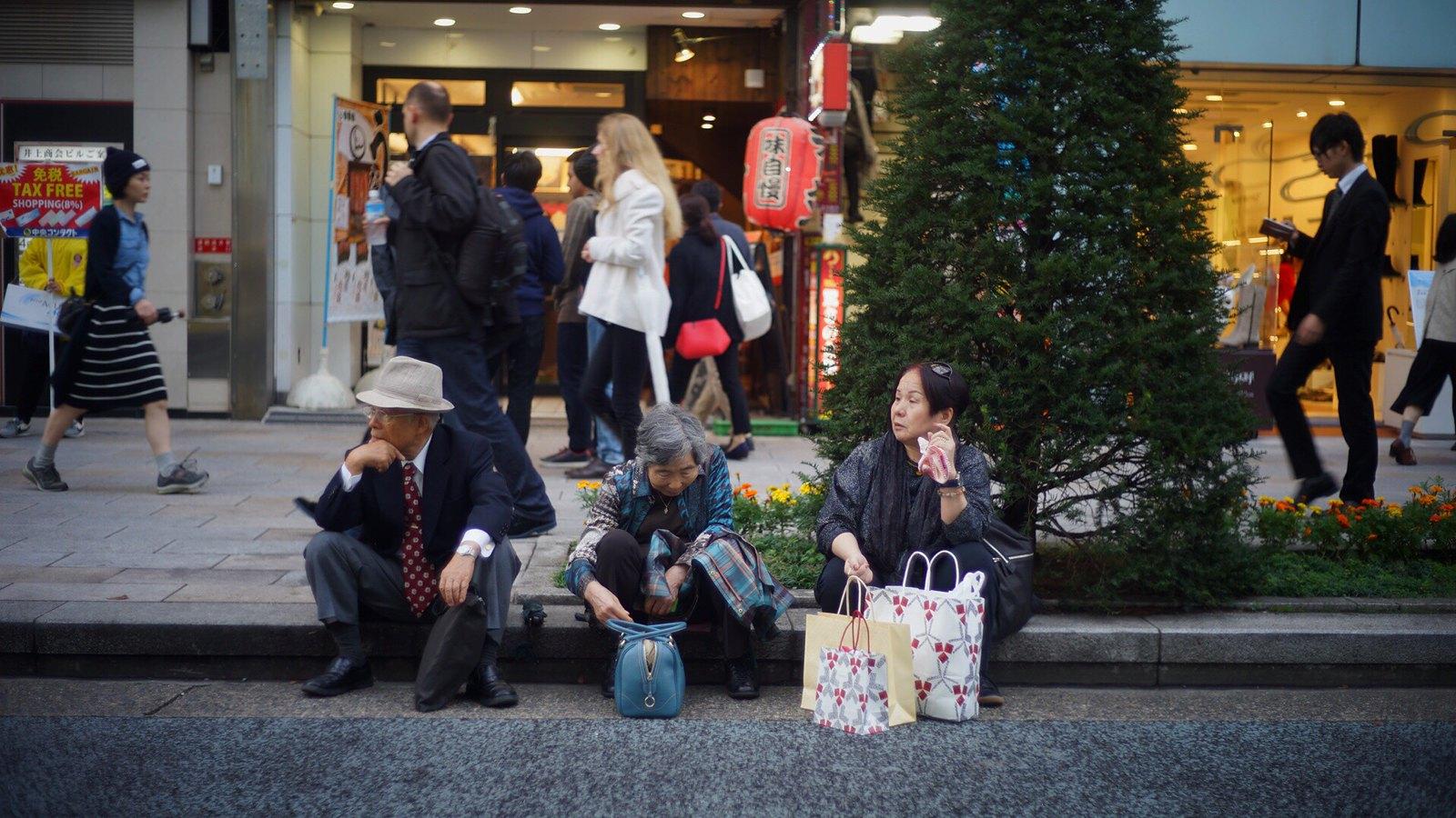 Shopping Break #SonyA7 #Voigtlander40mm #Ginza #Tokyo #foto