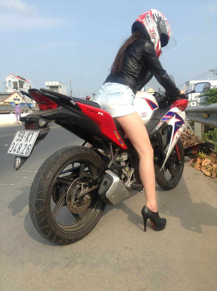 Girlsandmotorbikes Sexy Girl In High Heels On A Honda CBR 150r