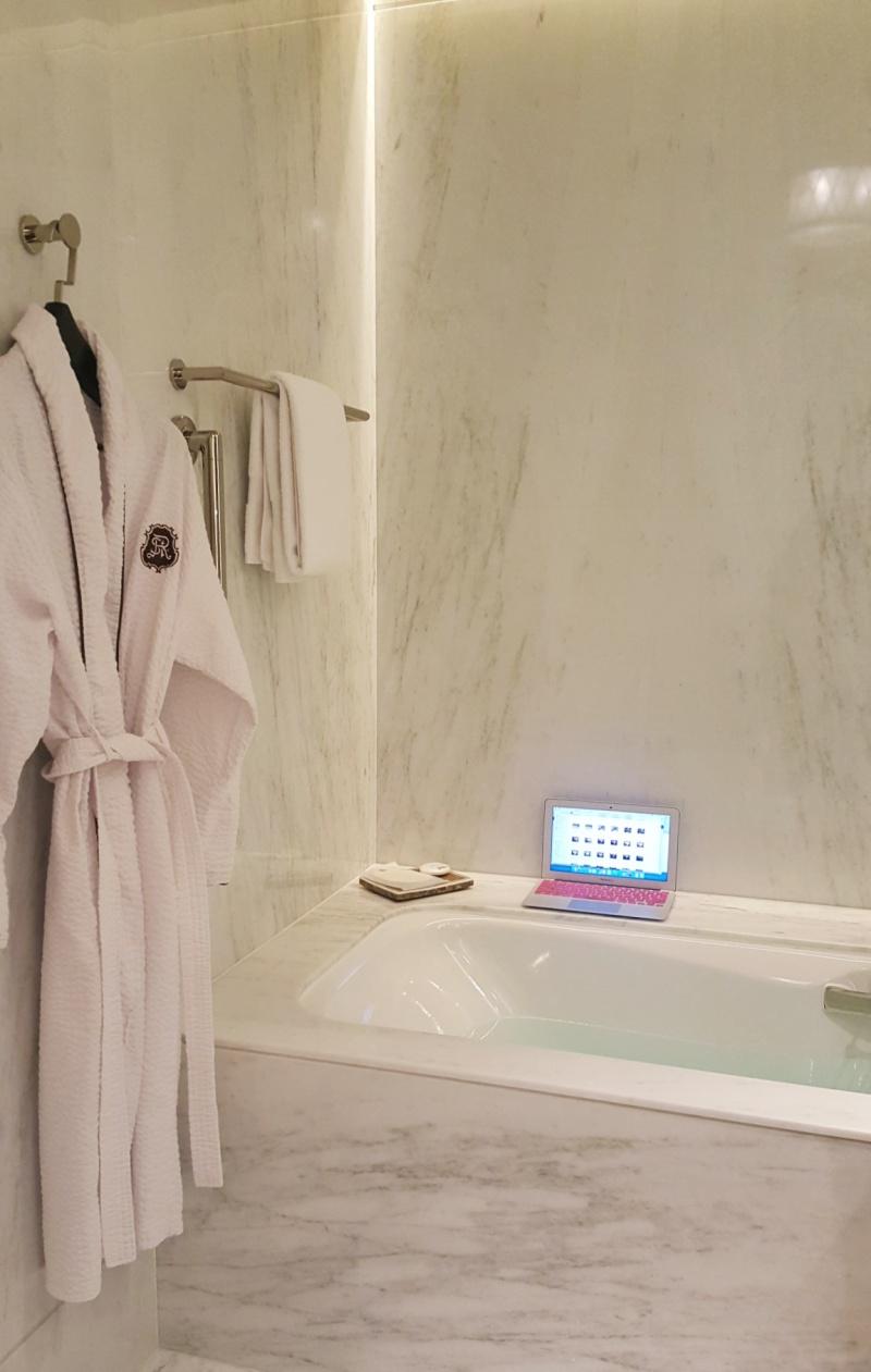 St. Regis Macau bathtub