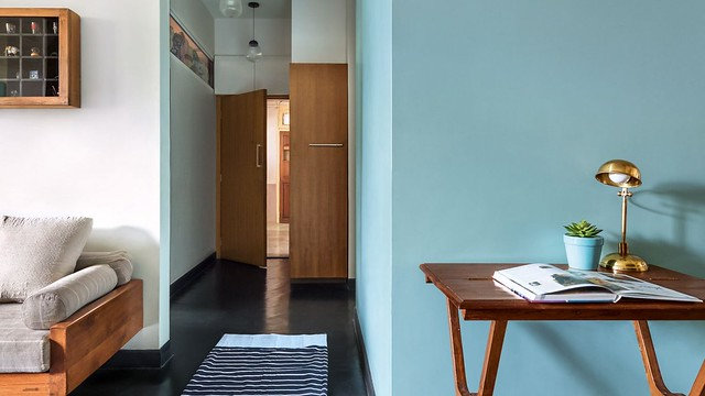 A 600 sq.ft small and stylish renovated apartment in Mumbai by Mangesh Lungare.