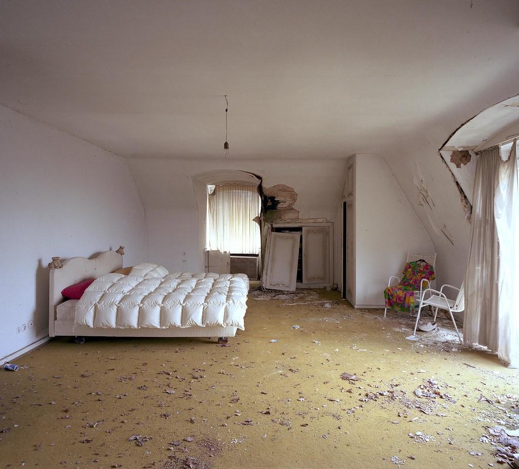 Verlassene Villla #2 (grosses Schlafzimmer) | andi_heuser | Flickr