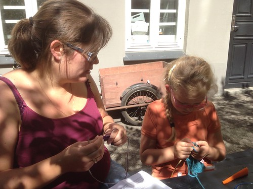 221/365 The Double Aunt Knitting School | by Anetq