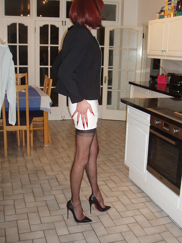 Cross Dresser Pantyhose Red Gap Skirt 295 I M Cross