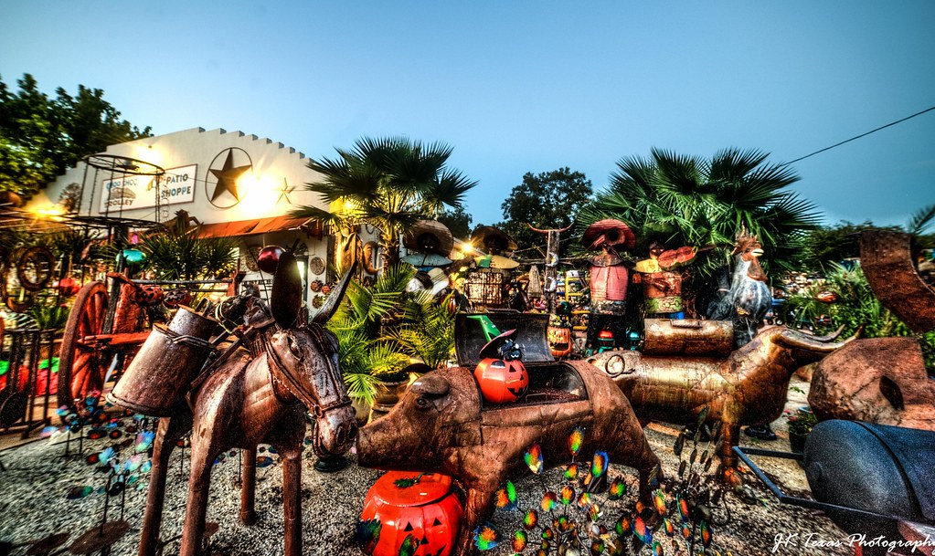 ... The Choo Choo Patio Shoppe In Fredericksburg Texas | By Jay Dee Texas