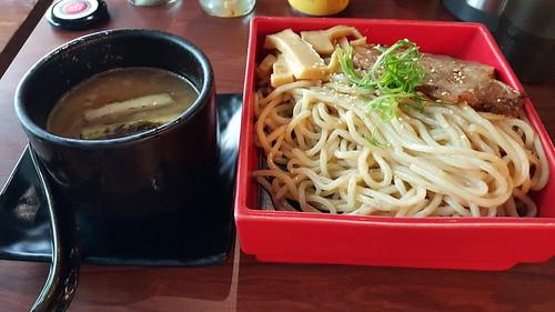 台北東區鷹流拉麵:在東區吃到東京的道地拉麵 (1)