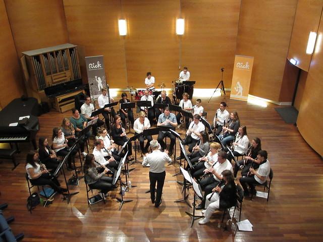 Re�nie en jubileumconcert onder leiding van gastdirigent Peter Kleine Schaars