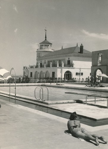 Aeroclub piscina madrid madrid 1951 procedencia for Piscina publica madrid