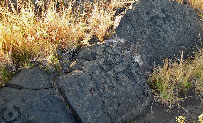lava-carvings
