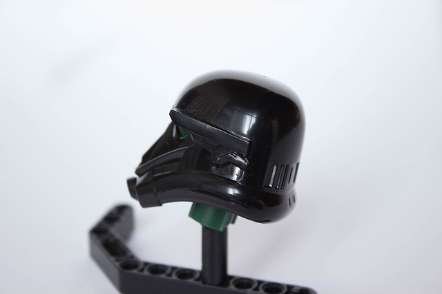[Revue] Star Wars 75121 : Imperial Death Trooper 30206169576_390c6ec0c0_z