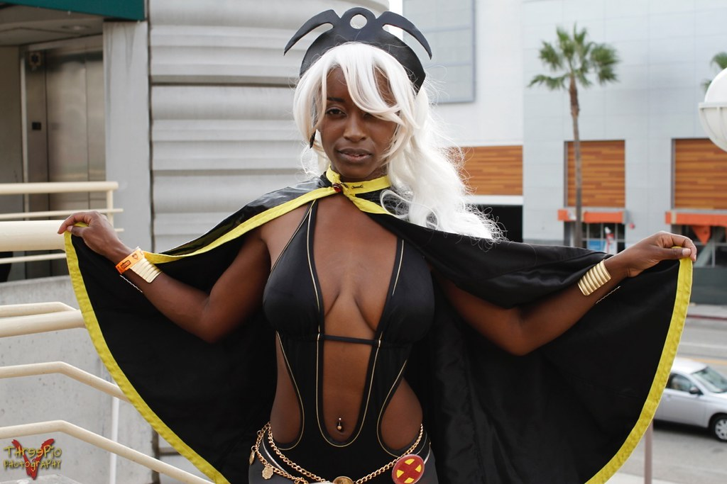 Ebony cosplay