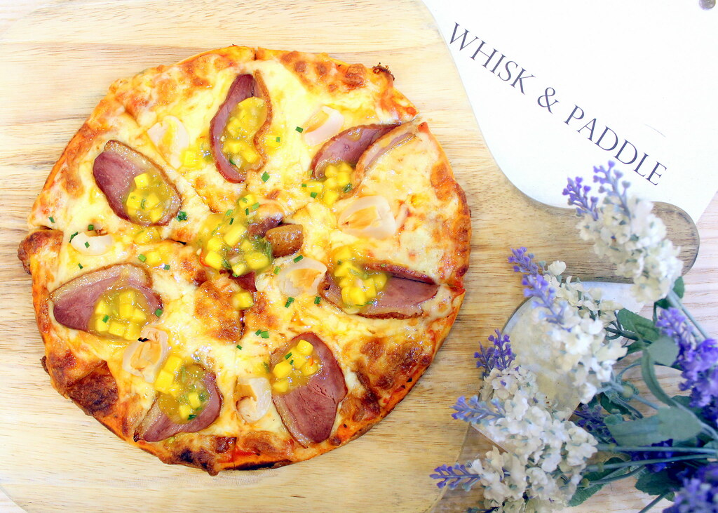 Relaxing Cafés in Punggol: Whisk And Paddle Duck Lychee Pizza