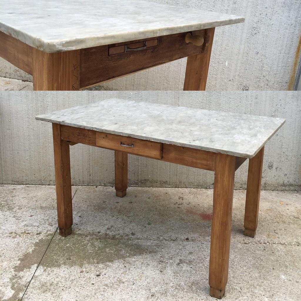 Vecchio tavolo anni \'50 legno e piano in marmo | 350€ | Zoy ...