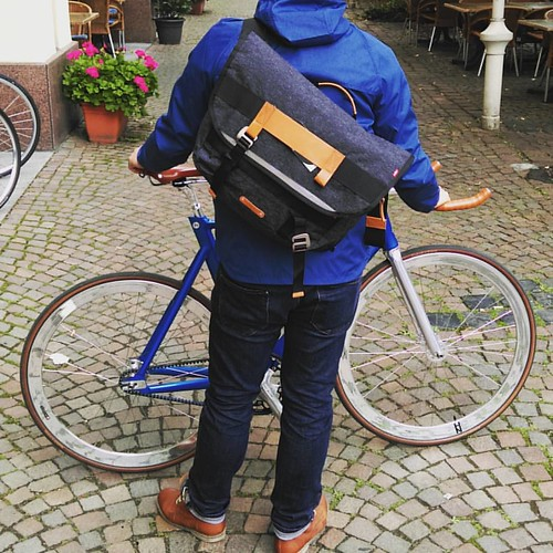 mit sack pack auf tour levis commuter outsideisfre flickr. Black Bedroom Furniture Sets. Home Design Ideas