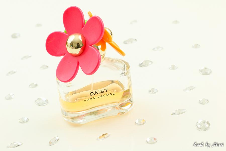 7 Marc Jacobs Daisy perfume
