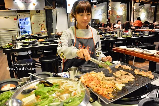 韓國首爾美食|新村八色烤肉–韓國必吃美食之一,八種顏色的豬五花,地鐵新村站