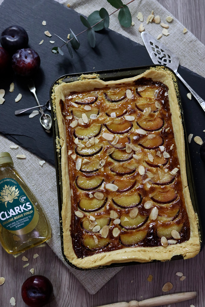 katecooks,clarks syrup,katelouiseblog,easy baking,plum and almond slice,easy home cooking,clarks recipes, food photography, food styling, desserts,puddings,