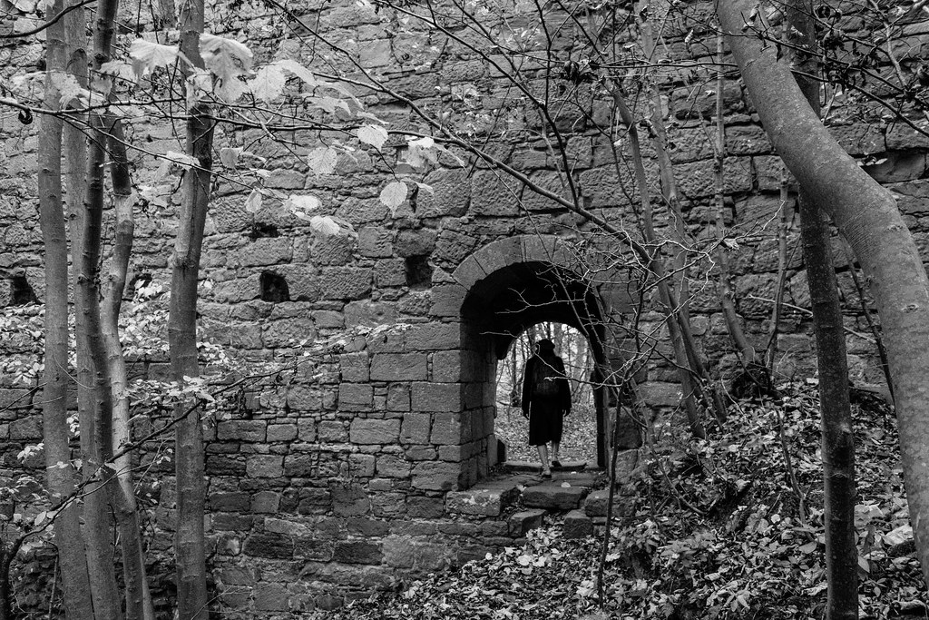 Yester Castle Yester Castle Is A Ruined Castle Located 1 Flickr