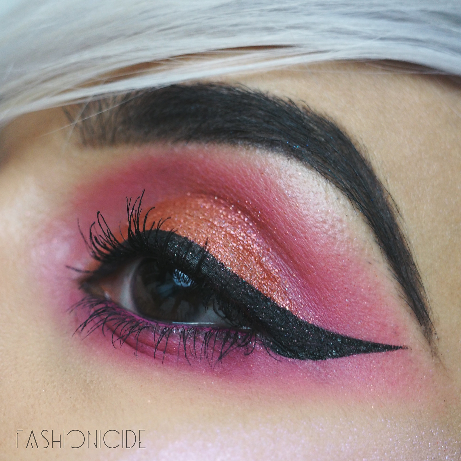 Models Own Holochrome Palette Review Makeup Look 3