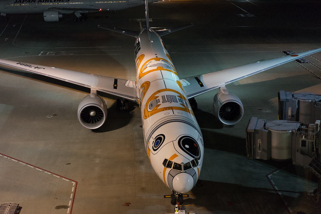 STAR WARS BB-8 ANA JET-3.jpg