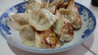 Pork and Chive dumplings | by phonakins