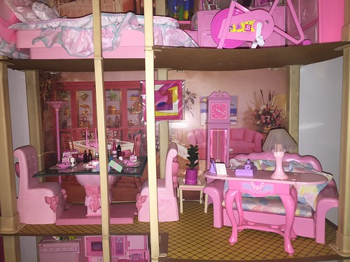 Barbie town house 80s superstar era pink magic living for Dream house days furniture