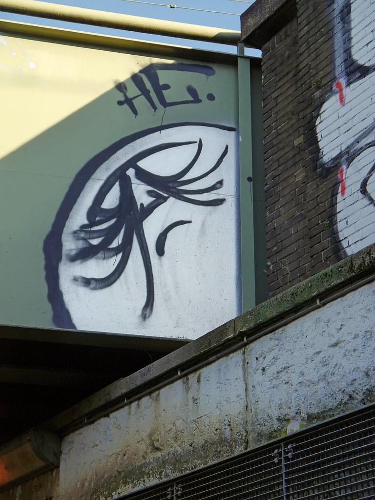 Graffiti wall amsterdam -  2016 10 Graffiti Wall Face In The Corner Under The Train Viaduct