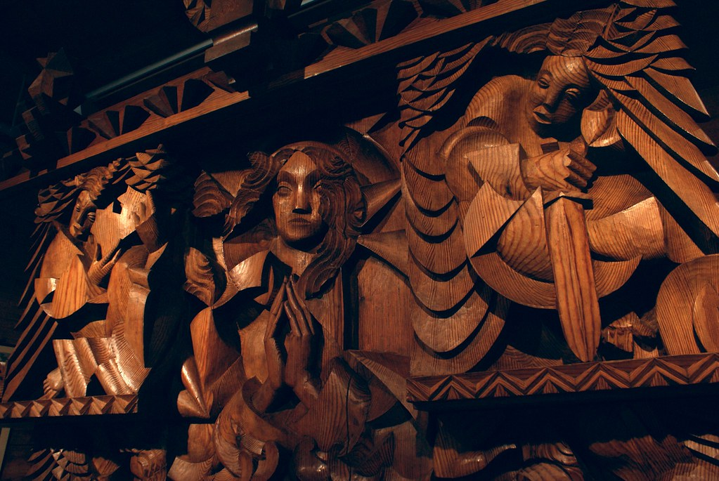 Autel en bois de Jan Szczepkowski initialement prévue pour l'église d'Echarlens en Suisse.