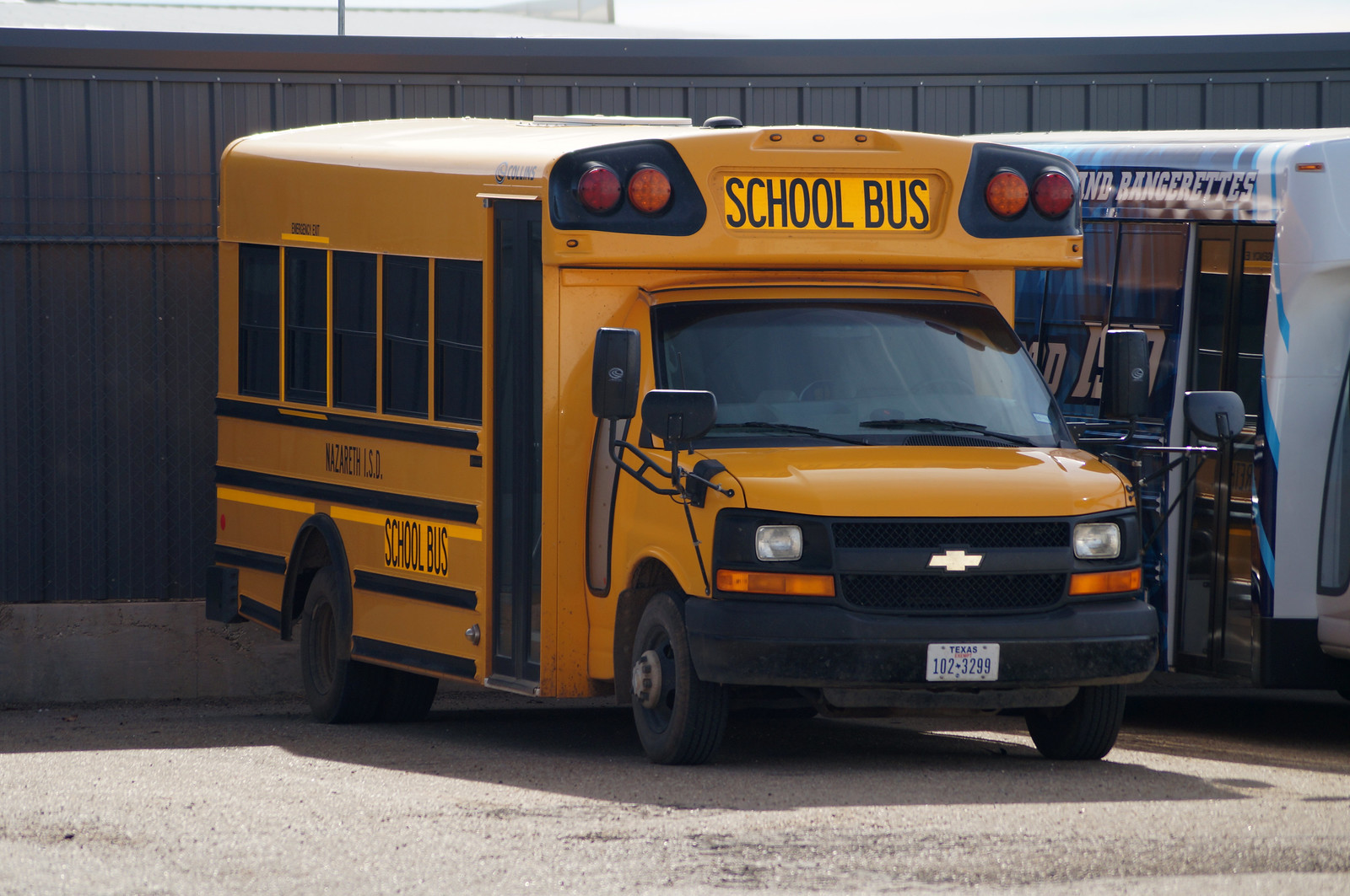 All Chevy chevy c5500 bus : Collins/MID-BUS/US BUS | Flickr
