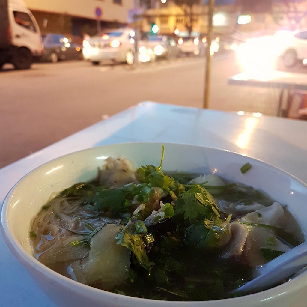鱼头迷粉 @ KL near Pudu Market (opposite Seetha Rham Banana Leaf Rice)