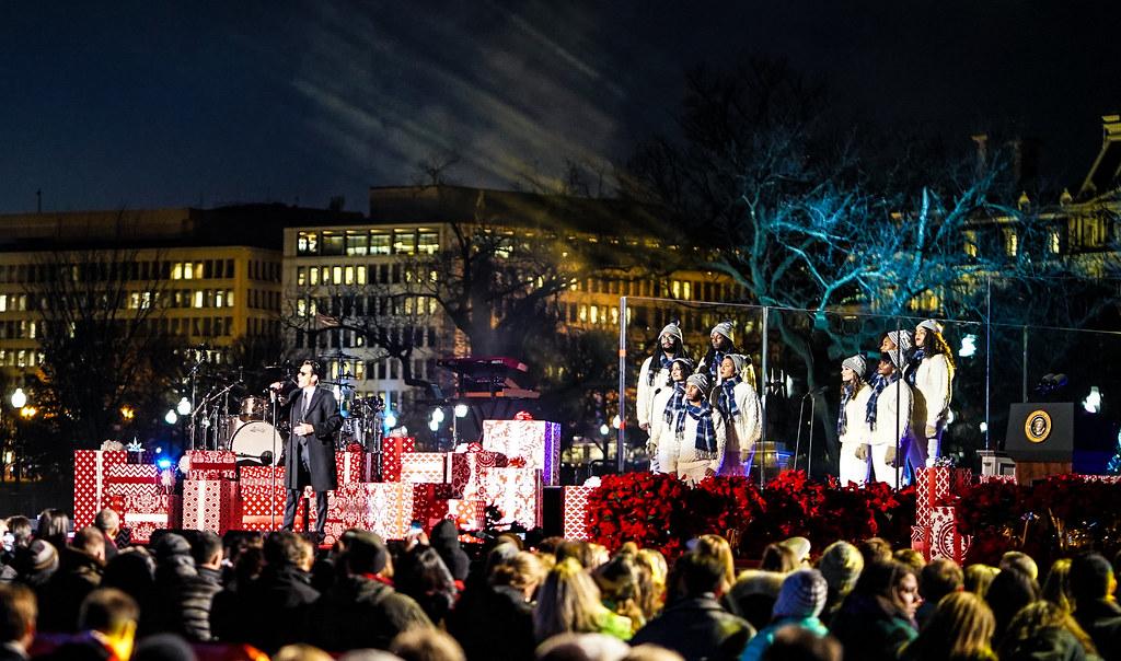 20161201 christmas tree lighting ceremony white house washington dc usa 09296