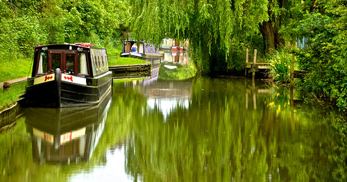 CANAL SCENE REFLECTIONS