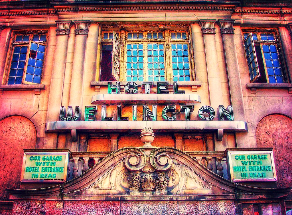 albany new york wellington hotel old neon sign histo flickr
