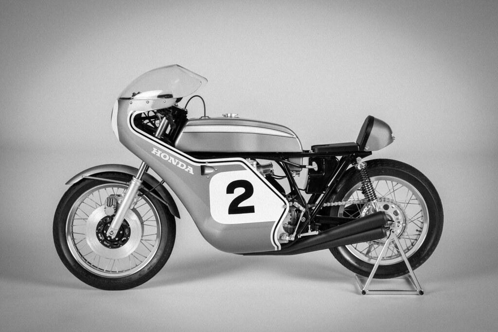 Picturesofthingsilike Honda CB750 Classic Racing Motorcycle Black And White