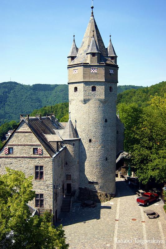 Вид на Пороховую башню