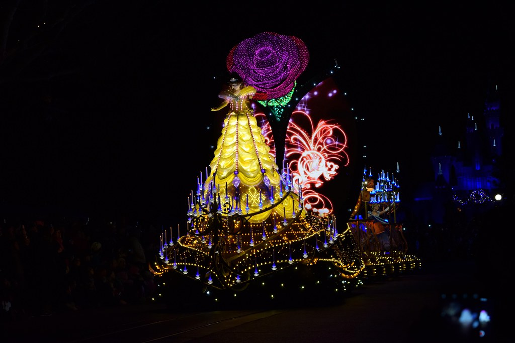 disneyland visit christmas day 2015 main street paint the night parade beauty