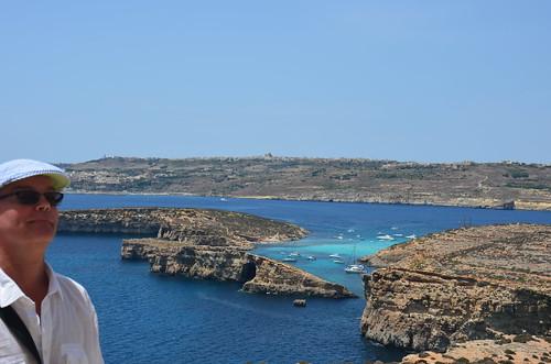 Vor Gozo schön die hellblaue Lagune
