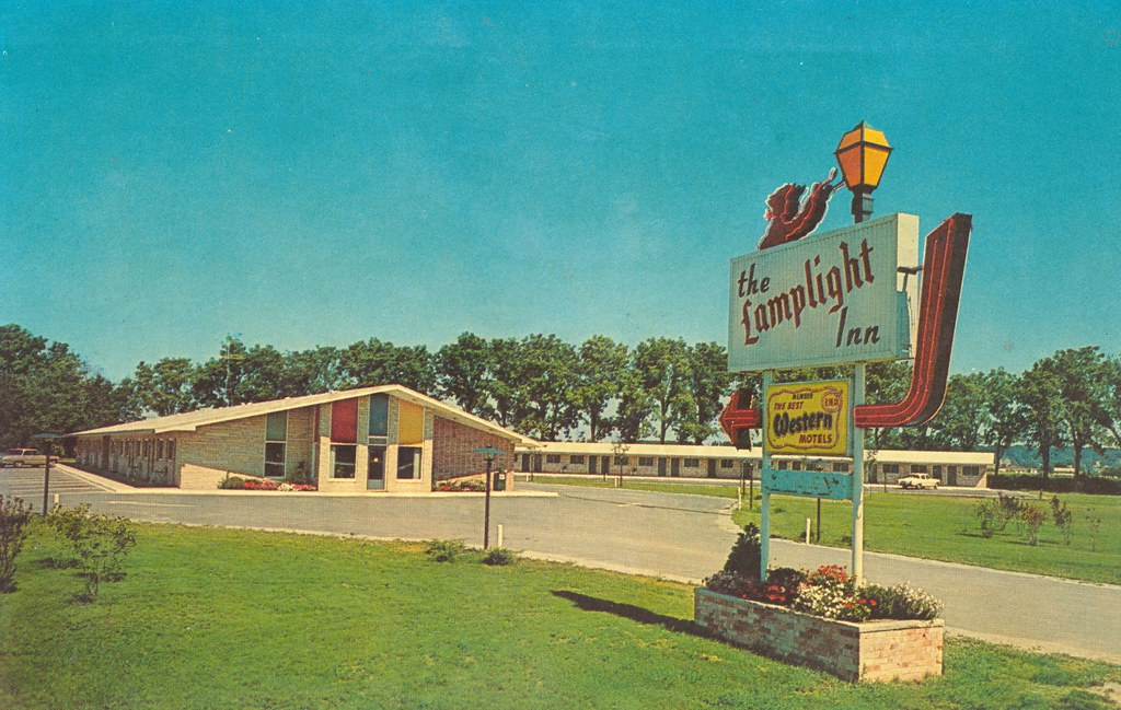 Lamplight Inn Motel - Muscatine, Iowa