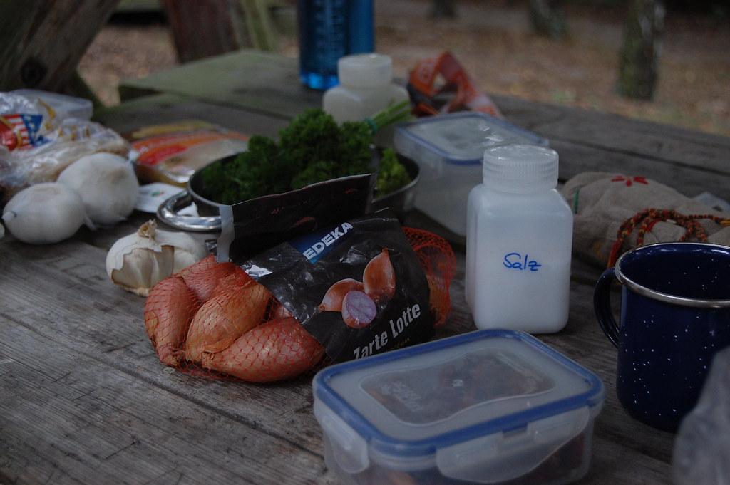 Outdoorküche Camping Berlin : Outdoorküche so sah das ungefähr jeden abend aus. distelfliege
