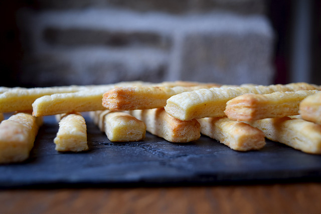 Classic Cheese Straws | www.rachelphipps.com @rachelphipps