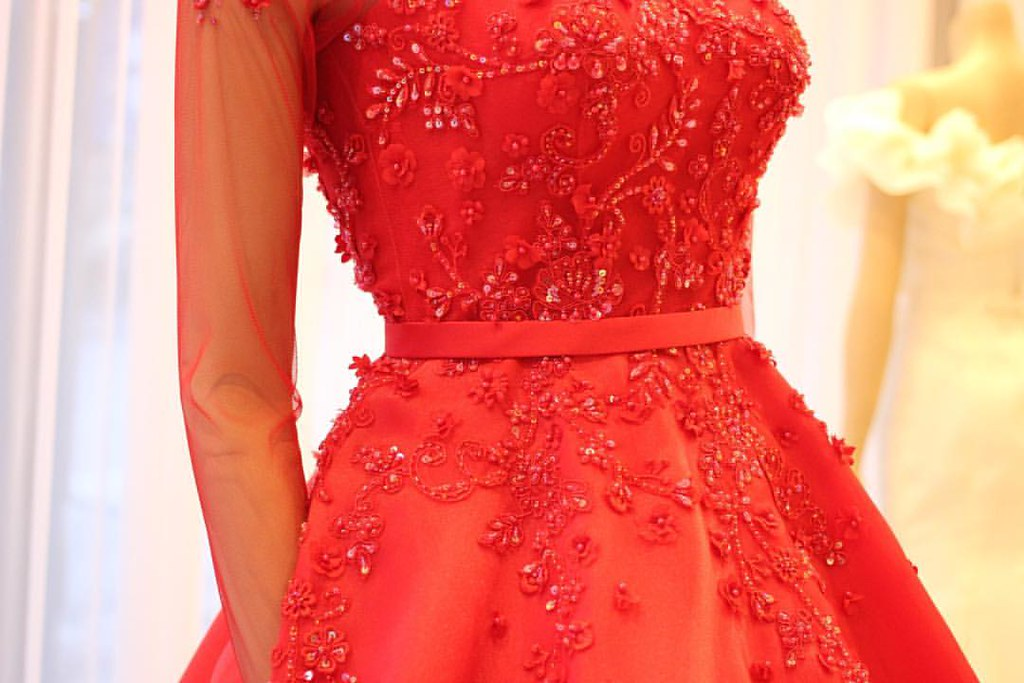 SEVE1659416 Made to measure evening wear and bridal gown.… | Flickr