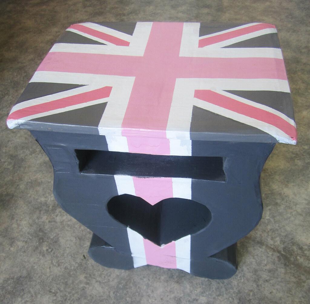 Image De Meuble En Carton meuble en carton | james graffiste | flickr