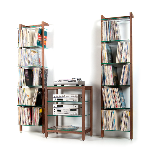 hifi rack quadra aus massivholz nussbaum mit glasb den flickr. Black Bedroom Furniture Sets. Home Design Ideas