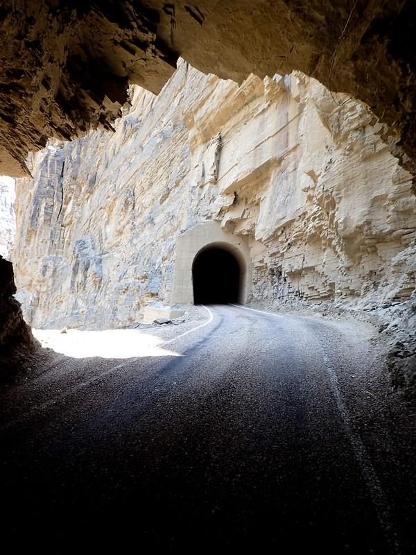 Otro de los más de 30 túneles comprendidos en tan sólo 20 kilómetros.
