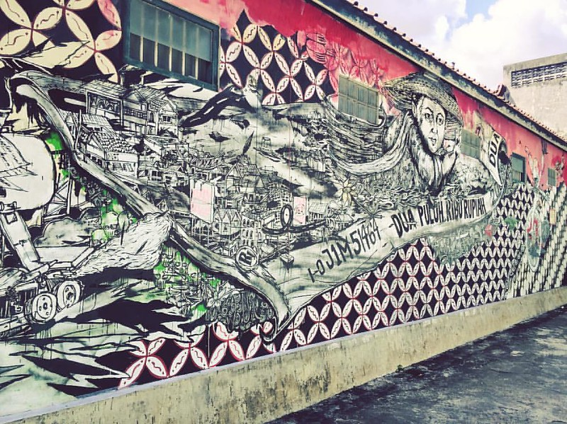 The vibrant street art scene here in Jogja is making me feel like a kid on Christmas morning. There are visual treats everywhere! #jogjahits #streetartjogja #murals #graffiti #journodiaries