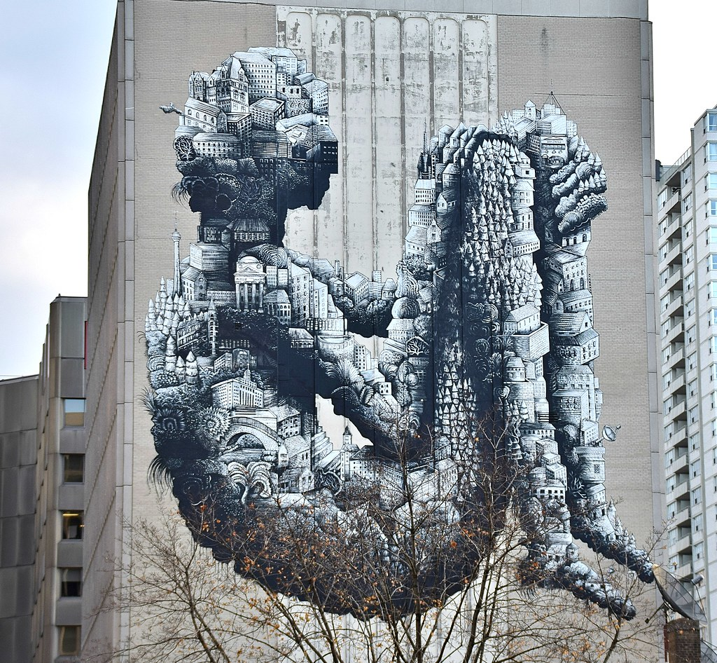 Giant mural at yonge and st clair toronto on by snuffy