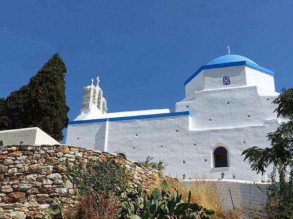 église sur la route de filoti