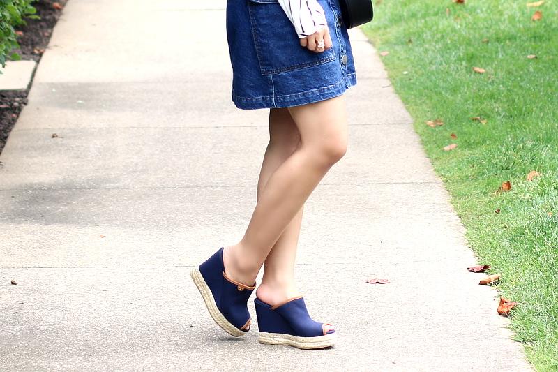 topshop-denim-skirt-tory-burch-denim-mule-sandals-3