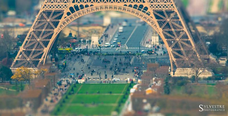 Paris pied Tour Eiffel 17 décembre 2015